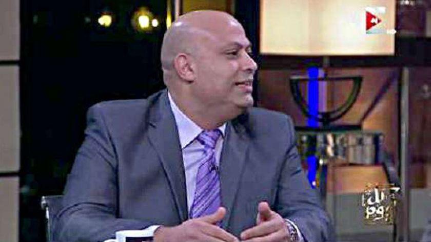 الدكتور أشرف تمام