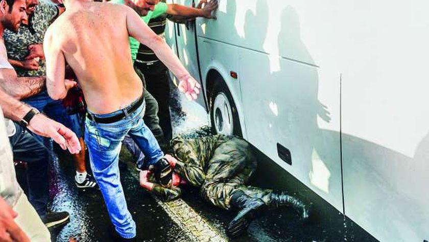 اعتقال الجنود المتورطين فى الانقلاب