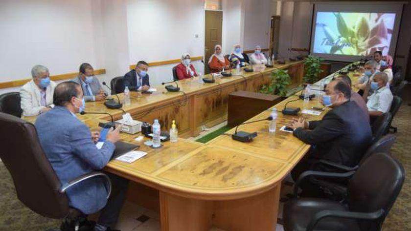 لجنة الأعلى للجامعات تزور كلية التربية النوعية بسوهاج استعداداً لافتتاحها