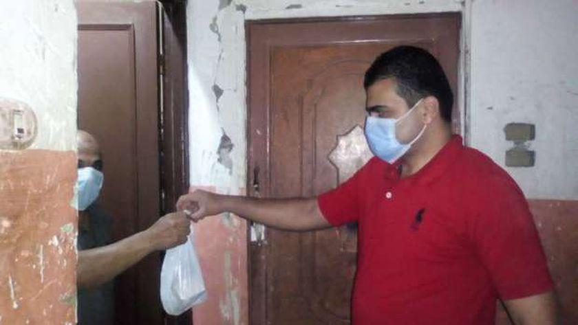 توصيل أدوية كورونا لأحد المصابين بمنزله