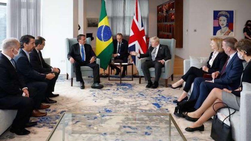 الوفدين البريطاني والبرازيلي خلال اجتماعهما في نيويورك