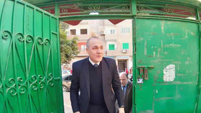 مدير تعليم القاهرة يتابع المدارس