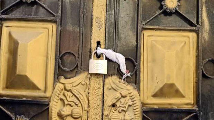 صورة طبيب يحبس لجنة تفتيشية داخل عيادته في الأقصر بسبب مخالفات ضده – المحافظات