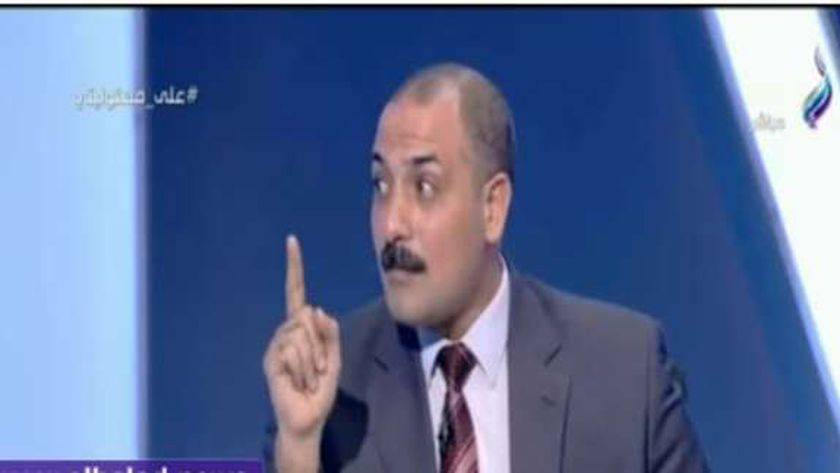 حاتم النجيب نائب رئيس شعبة الخضر والفاكهة