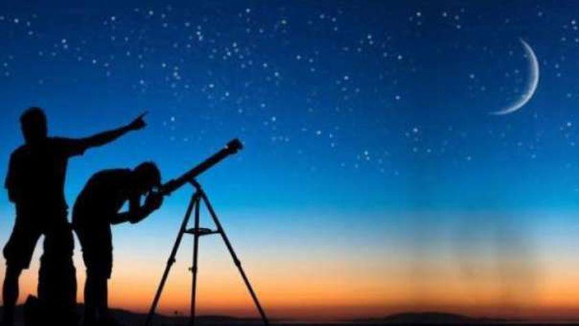 البحوث الفلكية تستطلع هلال شوال