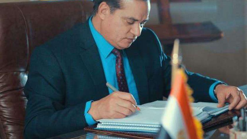 الدكتور أحمد عزيز، رئيس جامعة سوهاج