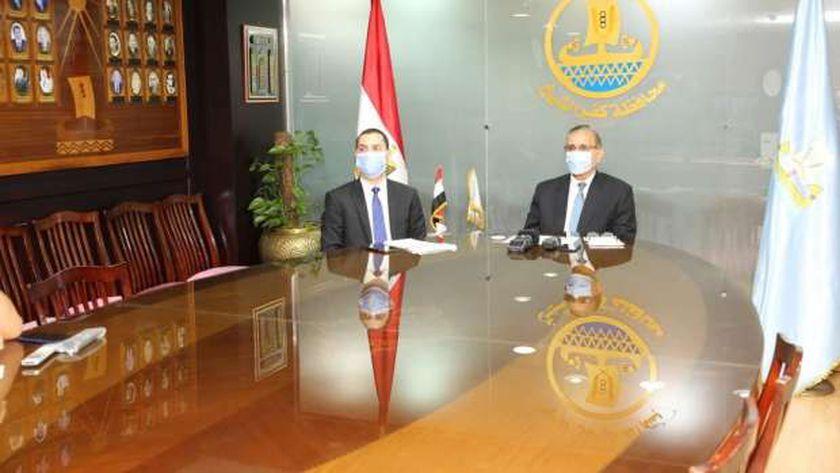 نور الدين والبشبيشي يشاركان في اجتماع المحافظين