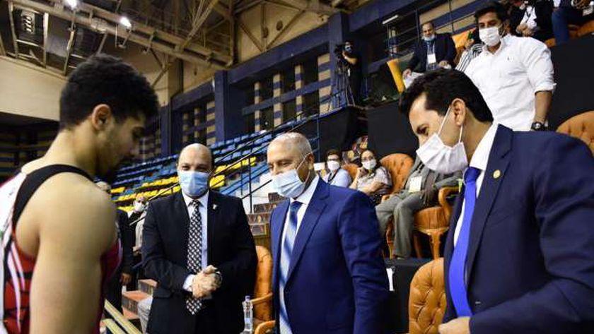 وزيرا الشباب والنقل خلال فعاليات اختتام البطولة