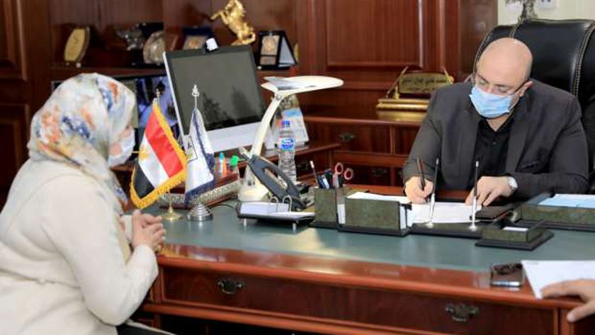 محافظ بني سويف يلتقي وكيل وزارة التربية والتعليم