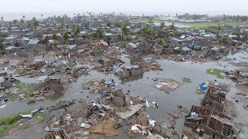 مقتل 9 على الأقل جراء إعصار في موزمبيق..و7 زلازل بركانية في الفلبين