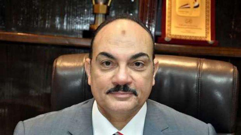 الدكتور رضا فرحات محافظ الاسكندرية السابق
