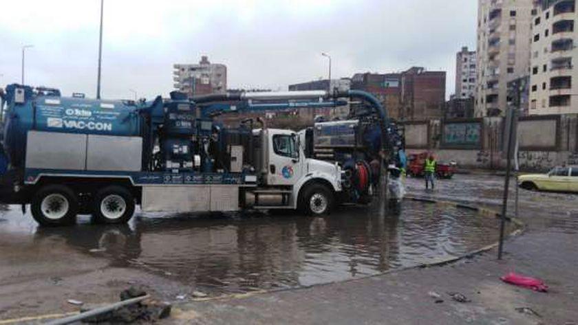 أعمال شفط مياه الأمطار بالقليوبية