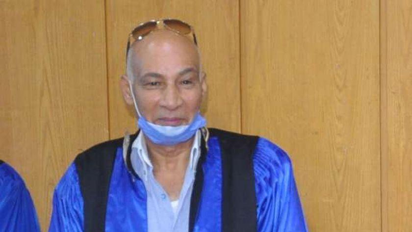 الدكتور السيد رشاد غنيم، عميد معهد الخدمة الاجتماعية في الإسكندرية