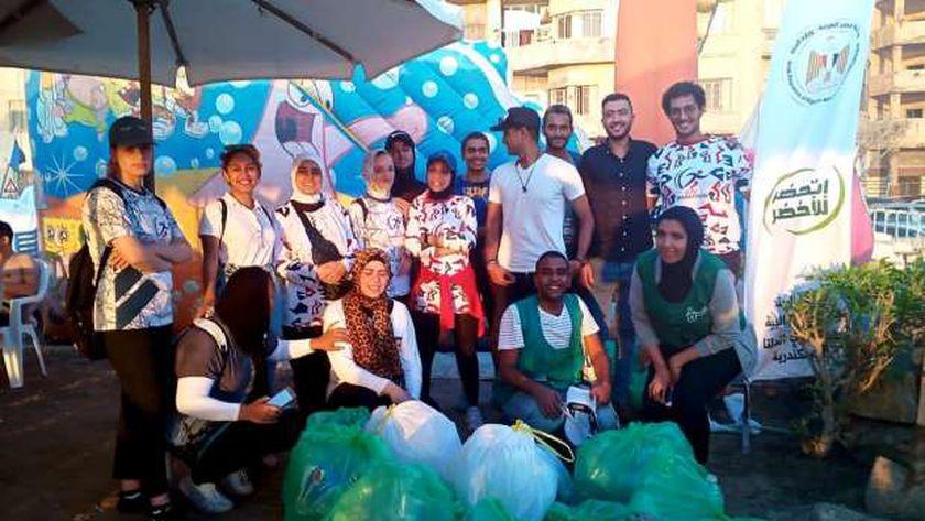 حملة لتنظيف شواطئ الإسكندرية بمناسبة اليوم العالمي لتنظيف الشواطئ