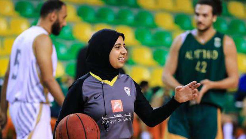 ساراة جمال حكم كرة السلة المصرية