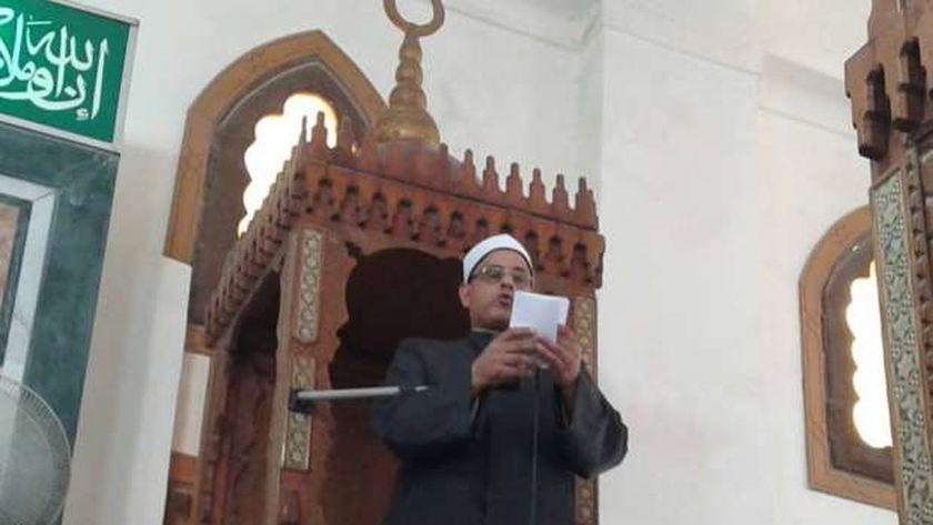 وكيل أوقاف الإسكندرية يلقى الخطبة المكتوبة من مسجد الهدى بمنطقة العامرية