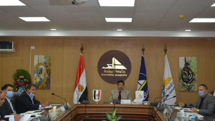رئيس جامعة دمياط
