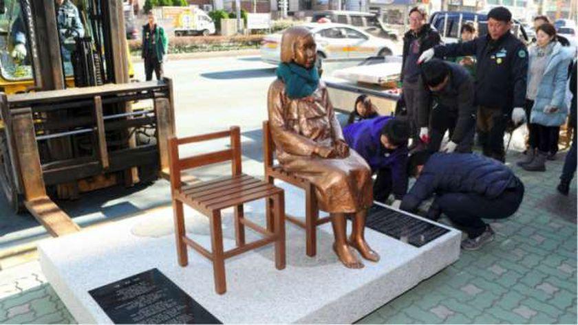 """تمثال """"نساء المتعة"""" يؤجج العلاقات بين اليابان وكويا الجنوبية"""
