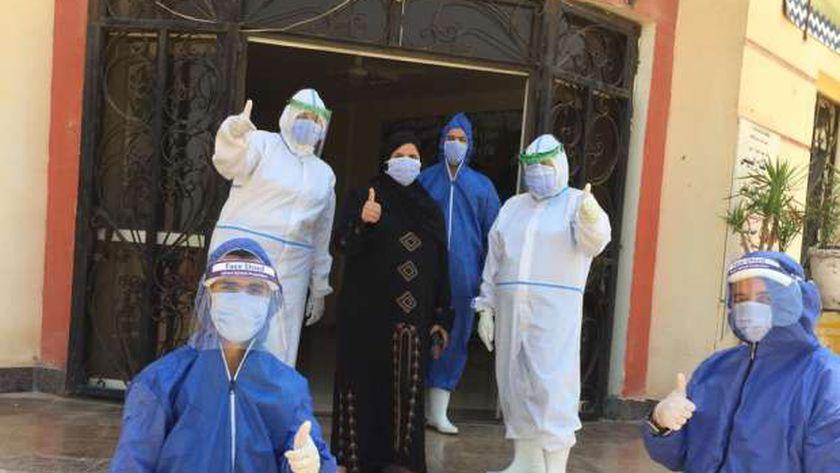 جانب من خروج المتعافين من فيروس كورونا ببني سويف