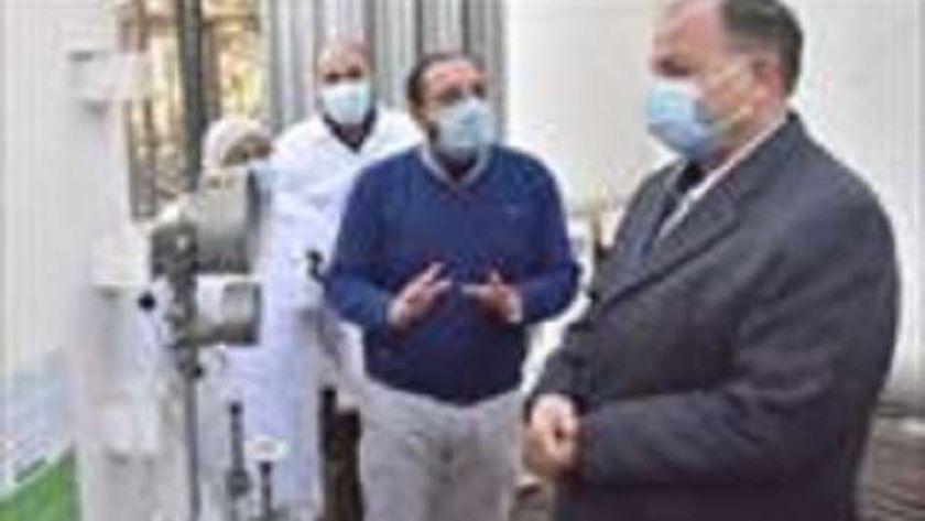 محافظ أسيوط يتفقد سير العمل فى مستشفى الصدر
