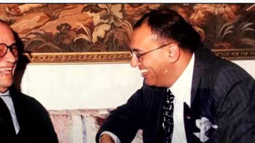 الأديبان محمد سلماوي ونجيب محفوظ
