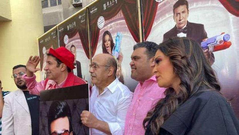 فريق عمل مسرحية أبو العربي