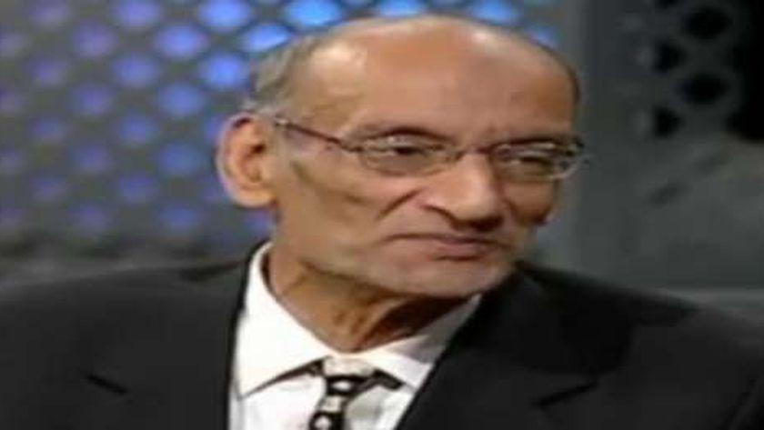 الشاعر والأديب الراحل فؤاد حجاج