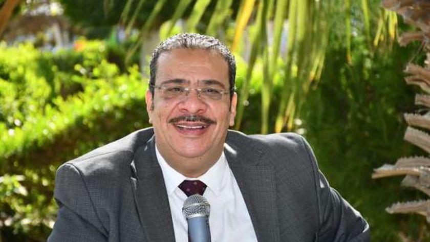 رئيس جامعة قناة السويس