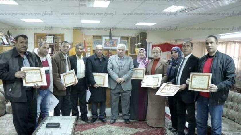 """وكيل """"تعليم البحيرة"""" يكرم المشاركين في مشروع """"معا في حب مصر"""""""