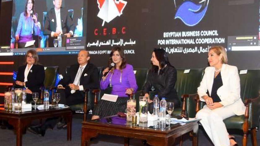 وزيرة الهجرة: القيادة السياسية تعتبر المرأة فاعلة في تحقيق التنمية المستدامة