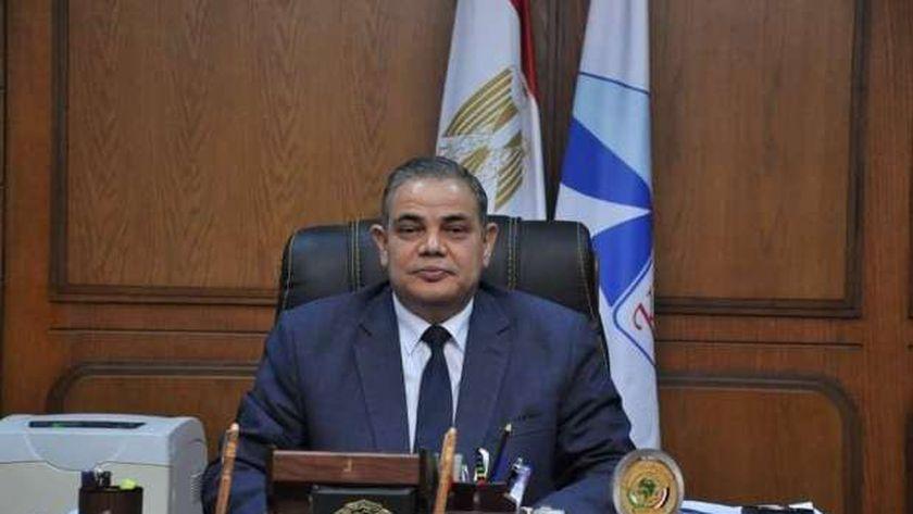الدكتور عبد الرازق دسوقى
