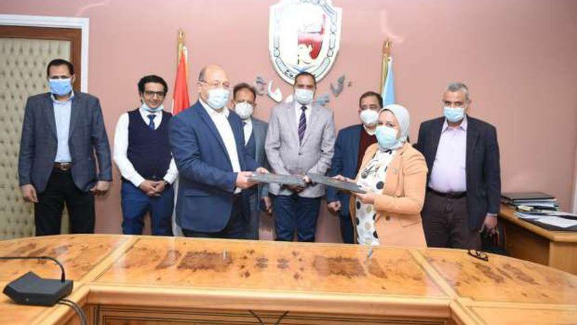 بروتوكول تعاون بين جامعة سوهاج والصحة لتلبية احتياجات المستشفيات