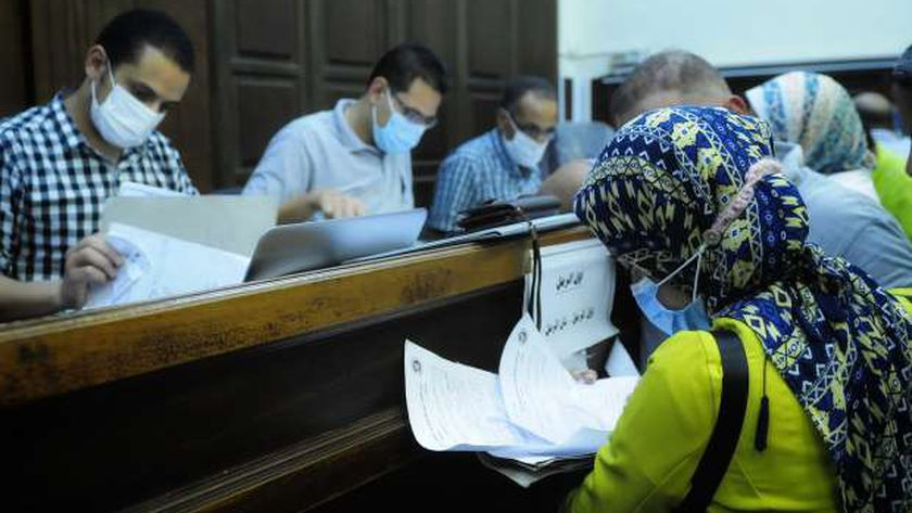 التقدم لأوراق الترشح لانتخابات مجلس الشعب فى الإسكندرية