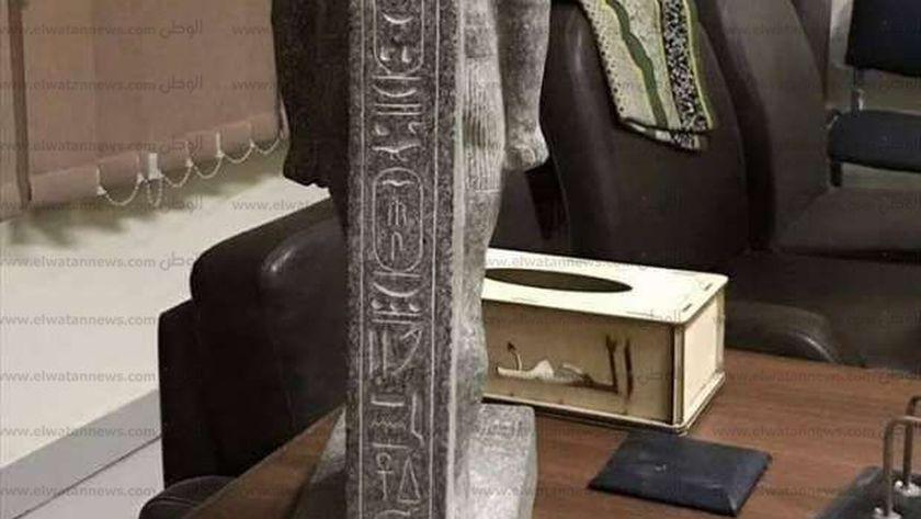 ضبط عامل بحوزته ٤ تماثيل بسوهاج