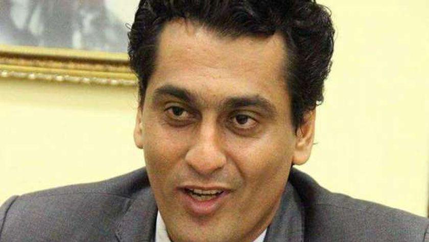 أيمن عبد المجيد رئيس لجنة الرعاية الإجتماعية والصحية بنقابة الصحفيين