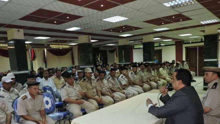 """مدير أمن كفر الشيخ الجديد يشارك في دورة عن """"العلوم الإنسانية والاجتماعية"""""""