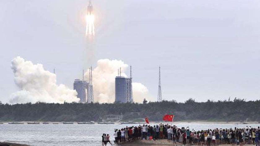 الصاروخ الصيني الخارج عن السيطرة يثير مخاوف العالم