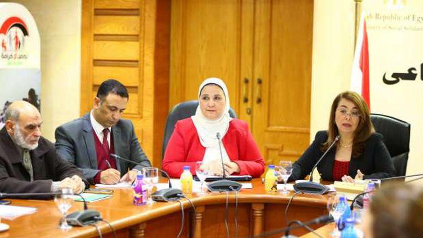 تنشر المسودة الأولية للائحة التنفيذية لقانون العمل الأهلي - مصر -