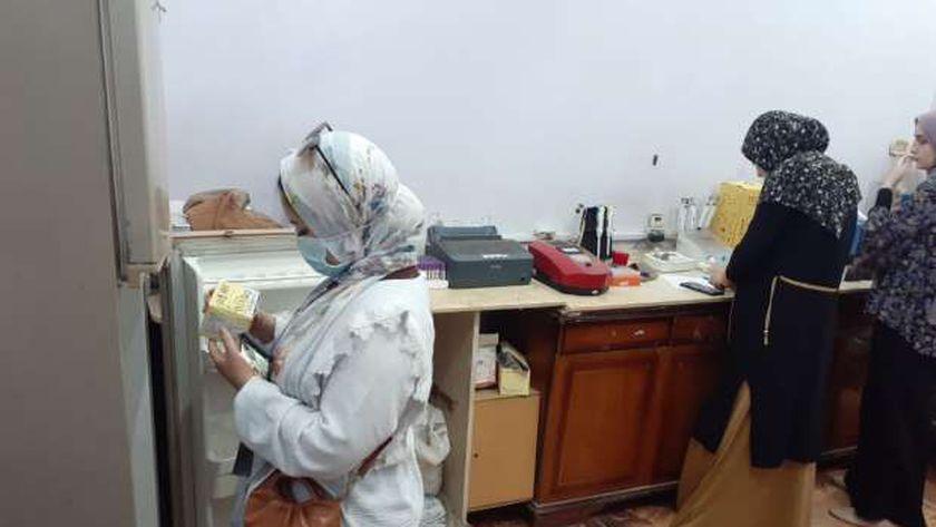 غلق 20 منشأة طبية لإدارتها بدون ترخيص في بني سويف