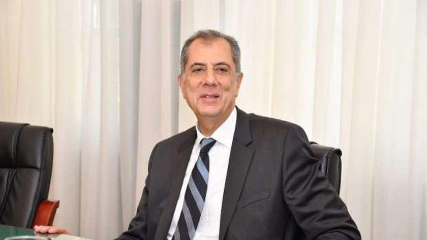 رئيس نادي الجزيرة