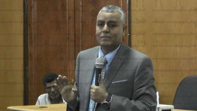 الدكتور يوسف الغرباوي  رئيس جامعة جنوب الوادي