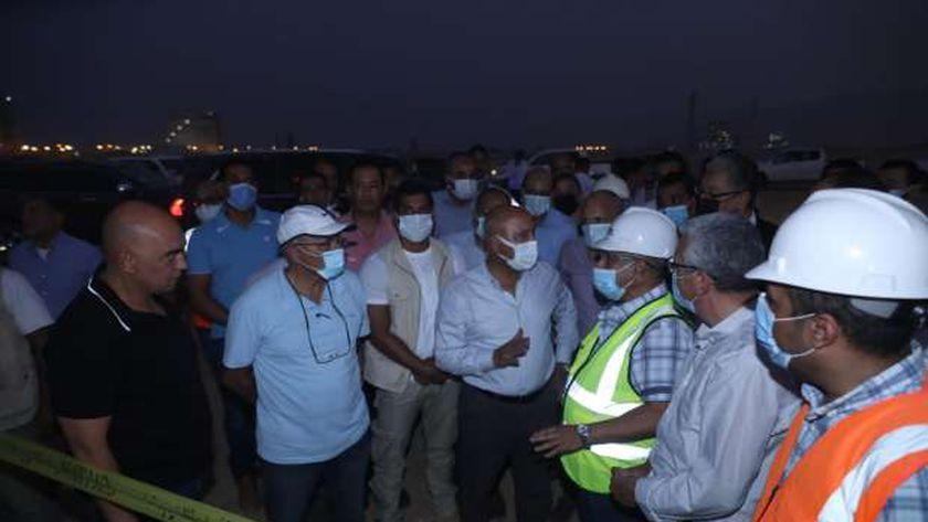 وزير النقل يتابع أعمال تطوير ميناء العين السخنة