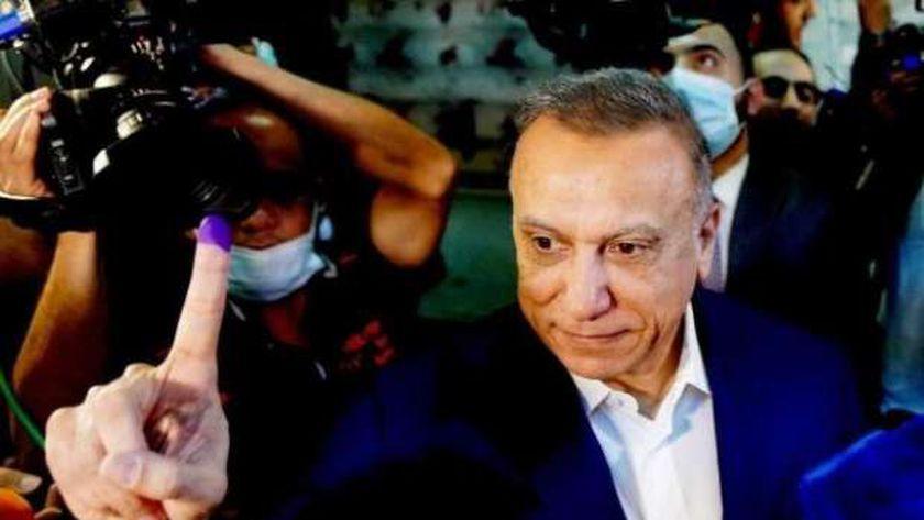 «الكاظمى» يدلى بصوته فى الانتخابات التشريعية العراقية