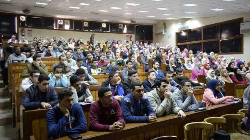 طلاب طب المنصورة