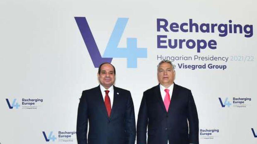 الرئيس السيسي خلال استقباله من رئيس المجر