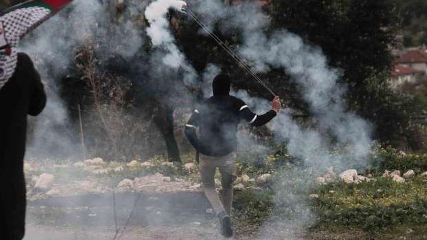 الاحتلال يقمع مسيرة «كفر قدوم»..ويتدرب على اشتباكات في غزة