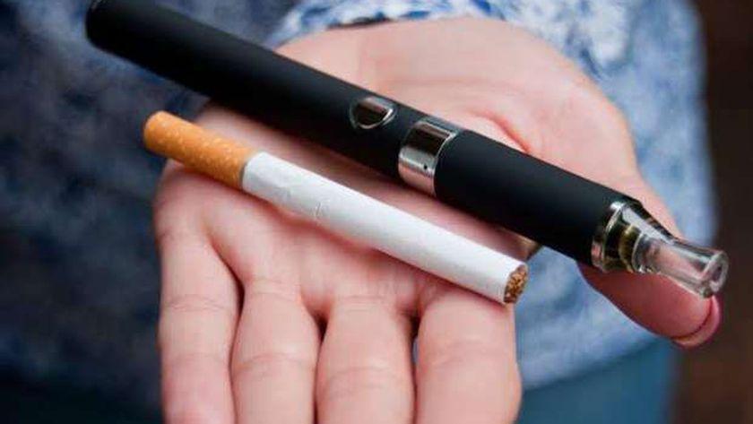 صروة أرشيفية لسجائر التقليدية والإلكترونية
