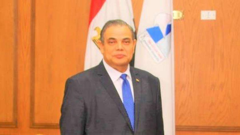 الدكتور عبد الرازق دسوقى، رئيس جامعة كفر الشيخ