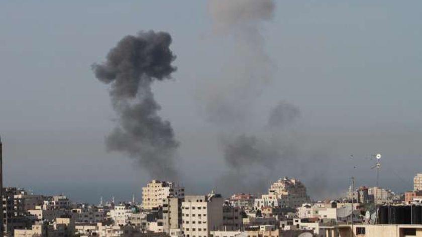 الغارات الإسرائيلية داهمت الفلسطينيين فجراً