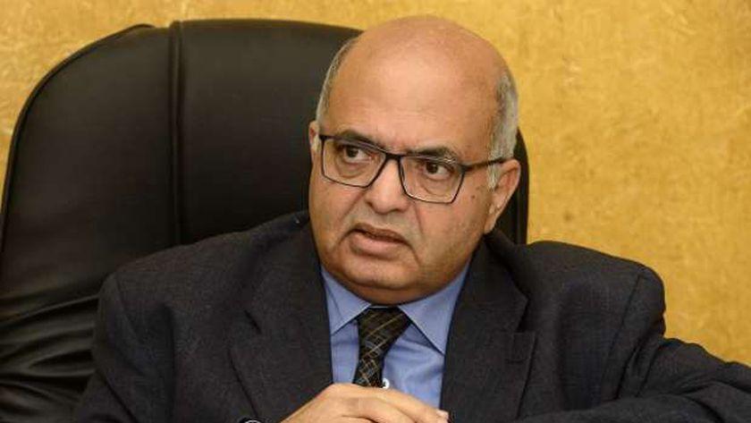 الدكتور عصام المغازى رئيس جمعية مكافحة التدخين والدرن وأمراض الصدر